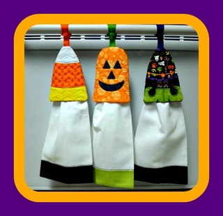 ITH Halloween Cuties Towel Keeper